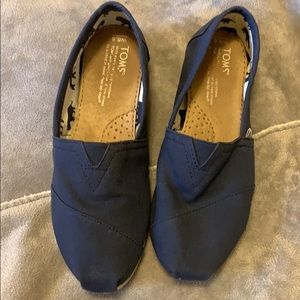 TOMS Blue Chambray/Denim Size 6.5
